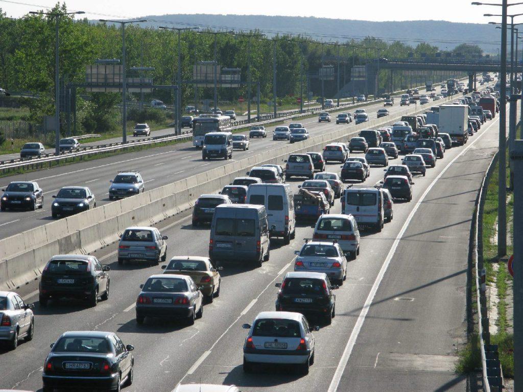 Baleset miatt torlódik a forgalom az M7-esen a Balaton felé
