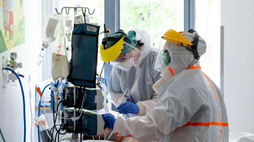 Hat fővel emelkedett a beazonosított fertőzöttek száma