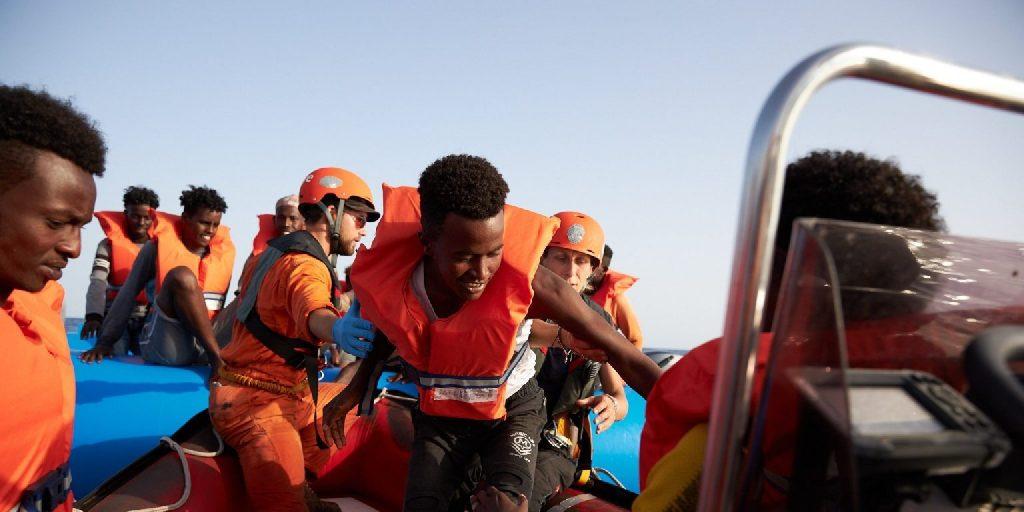 Huszonegy bevándorlót mentettek ki a La Manche csatornából