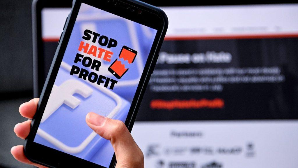 További cenzúrát hozhat a Facebook-bojkott