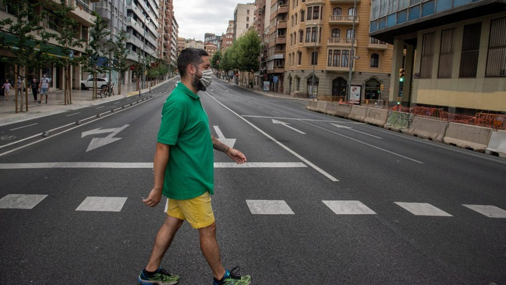 Kijárási korlátozásokat vezetnek be több katalán városban