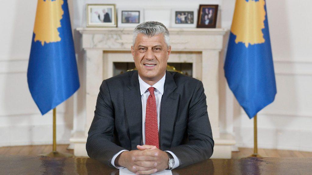 Megérkezett Hágába a különleges ügyészség elé idézett koszóvói elnök