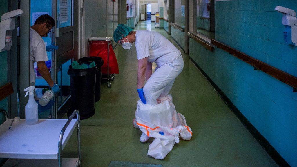 Harminckettővel nőtt a fertőzöttek száma Magyarországon