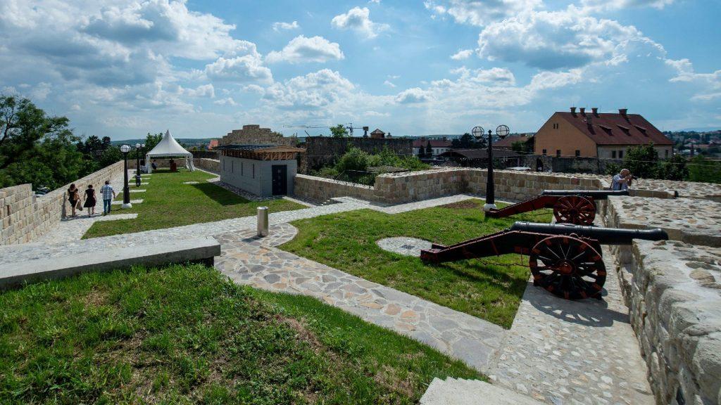 Új turisztikai attrakcióval bővült az egri vár