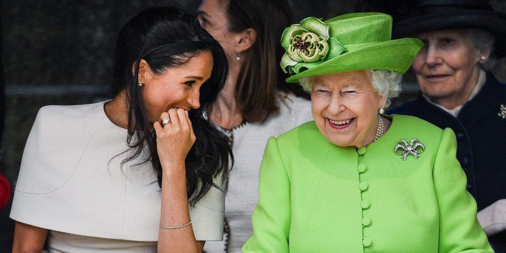A királynő nem haragszik, közös fotóval köszöntötte Meghan hercegnét