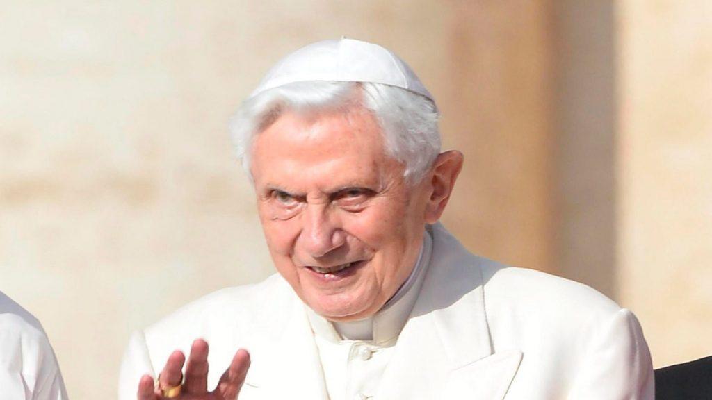 XVI. Benedek súlyosan megbetegedett bajorországi útja után