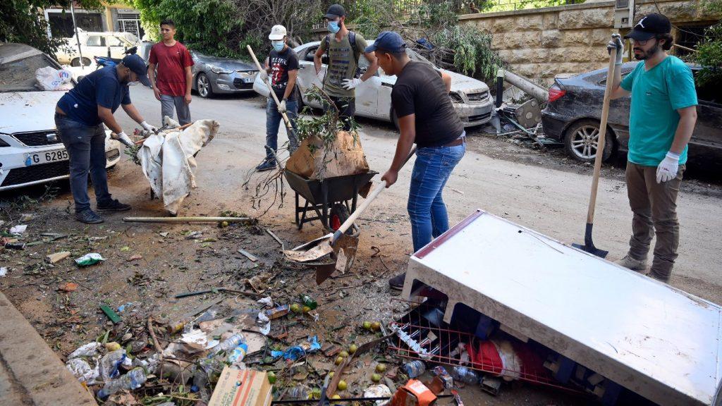 Segélyszállítmányokat visz Bejrútba az amerikai hadsereg