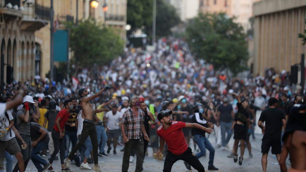 A robbanás a libanoni tüntetések katalizátora, de a gondok mélyebbre nyúlnak