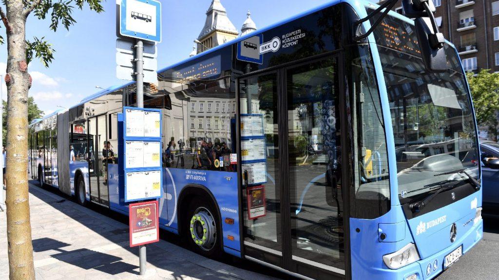 Visszaválthatók a repülőtéri 100E buszjegyek