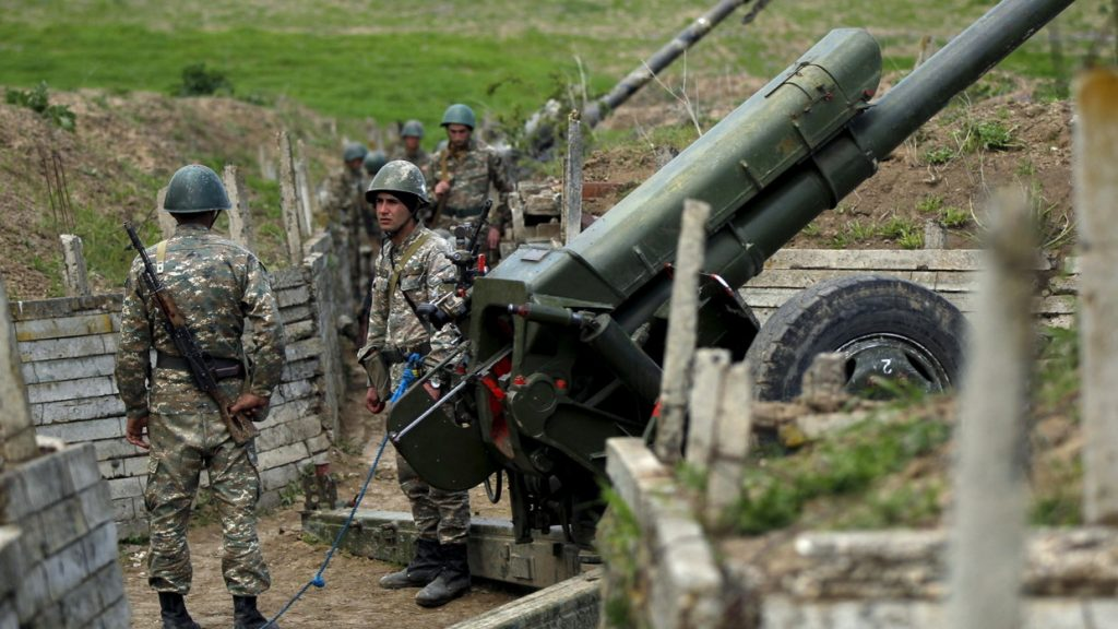 Rendkívüli állapot: egymásnak feszültek az örmény és azerbajdzsáni haderők