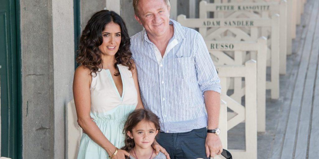 Salma Hayek nem bánja, hogy 41 évesen lett anyuka