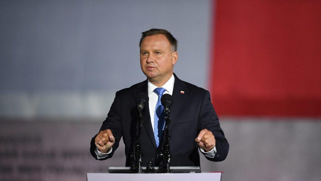 Duda: Lengyelország nem fogadhatja be az erőszakkal átirányított migránsokat