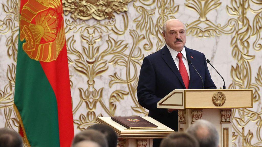 Még egy évig maradnak a szankciók a fehérorosz vezetők ellen