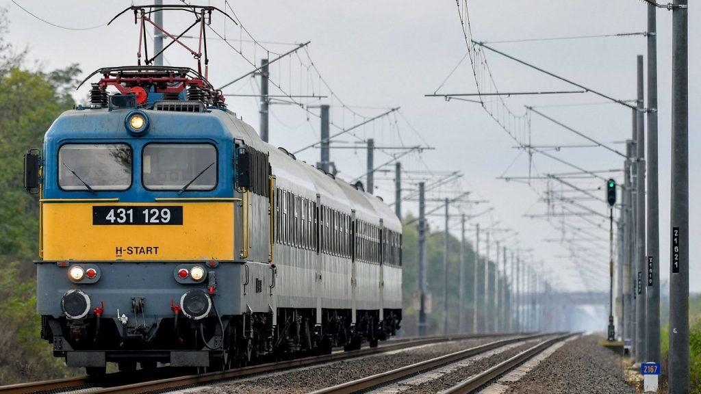 Vasárnaptól új vonatjárat közlekedik Piliscsaba és Rákos között