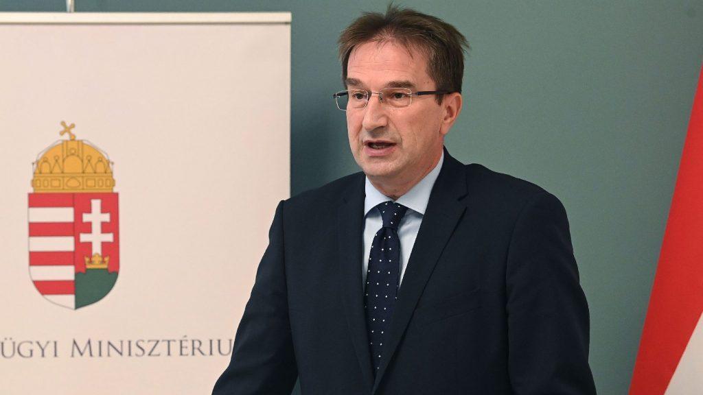 Völner: A kormány az áldozatok pártján áll, nem az elkövetőkén