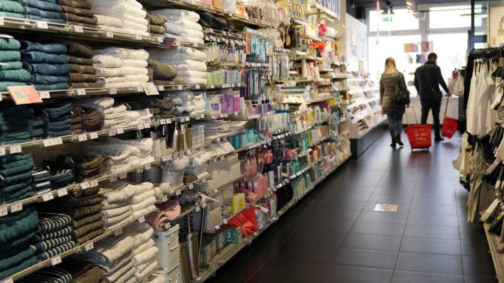 Megrohamozták újra a boltokat Németországban