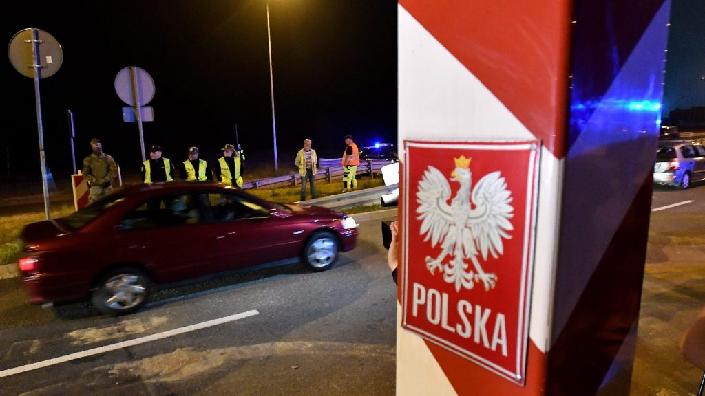 Lengyelországban ideiglenes kórházakkal növelik az egészségügyi kapacitásokat