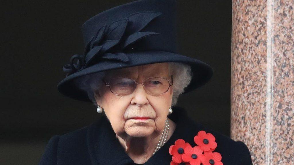II. Erzsébet unokája nem bírta tovább – hivatalosan is elvált a feleségétől