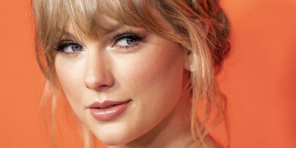 Taylor Swift újabb csapást mért volt kiadójára - ismét kiadta a Fearlesst