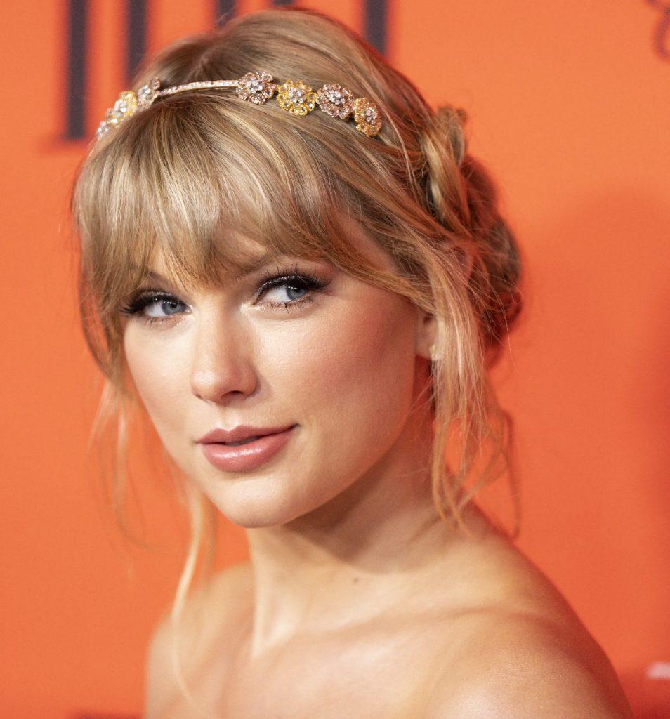 Taylor Swifttel megtörtént kétszer ugyanaz