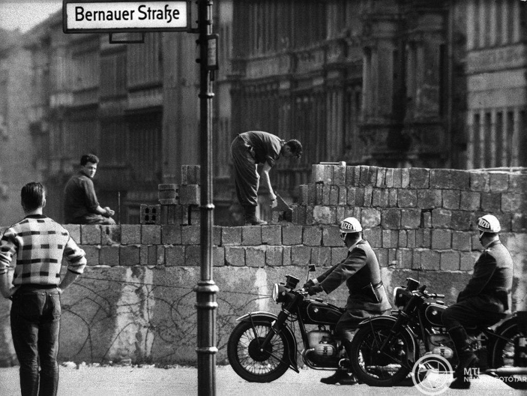 A karácsony, amikor húsz napra rés támadt a berlini falon