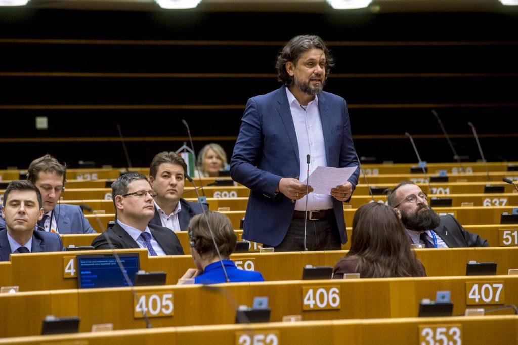 Történelmi sikert ért el Magyarország azzal, hogy az EP is elfogadta az új költségvetést