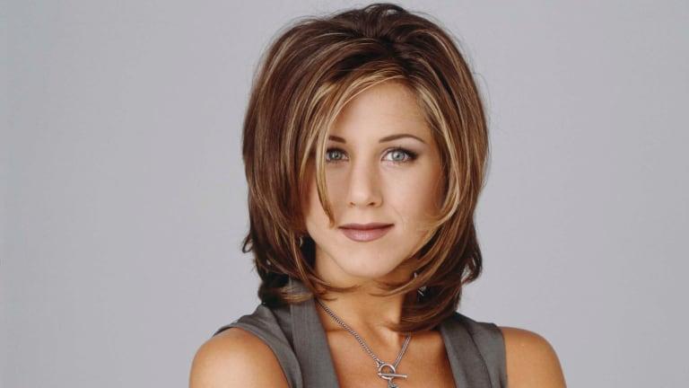 Ki vette észre Jennifer Aniston irtó furcsa szokását a Jóbarátokban?
