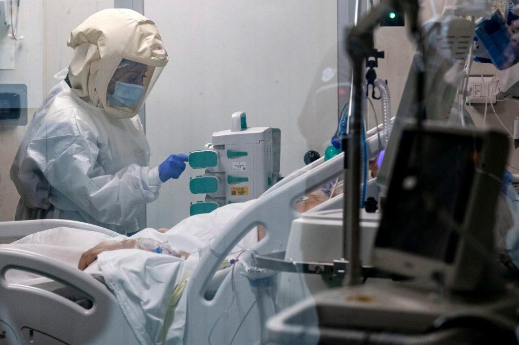 Tényleg sokkal veszélyesebb a brit vírusmutáns