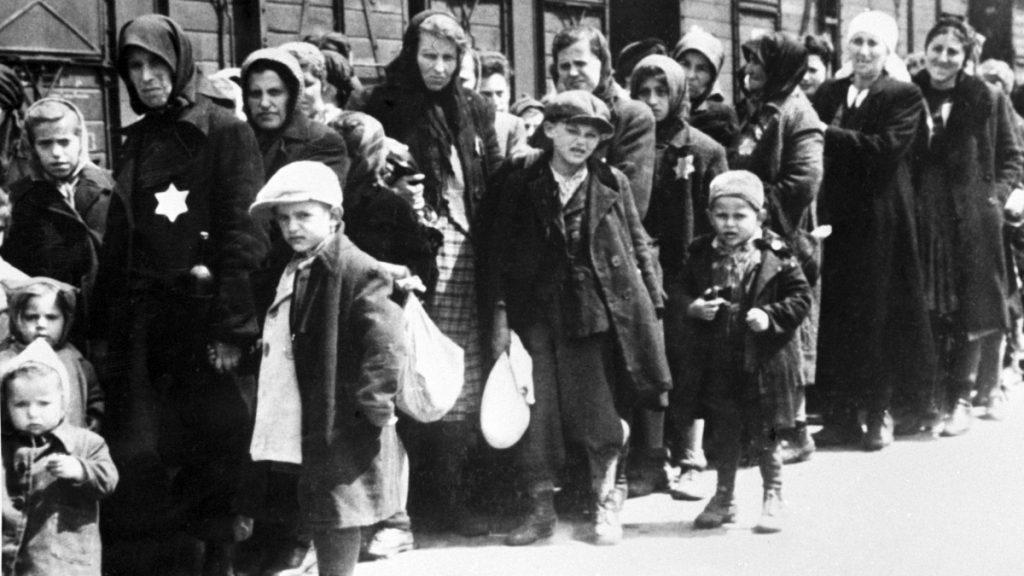 Az auschwitzi haláltábor felszabadulására emlékezünk a holokauszt áldozatainak emléknapján