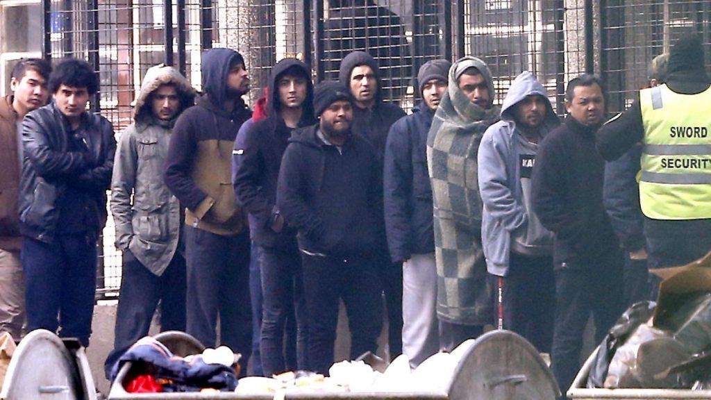 Az ingyenes oltás is az EU-ba vonzza az afikai, ázsiai migránsokat