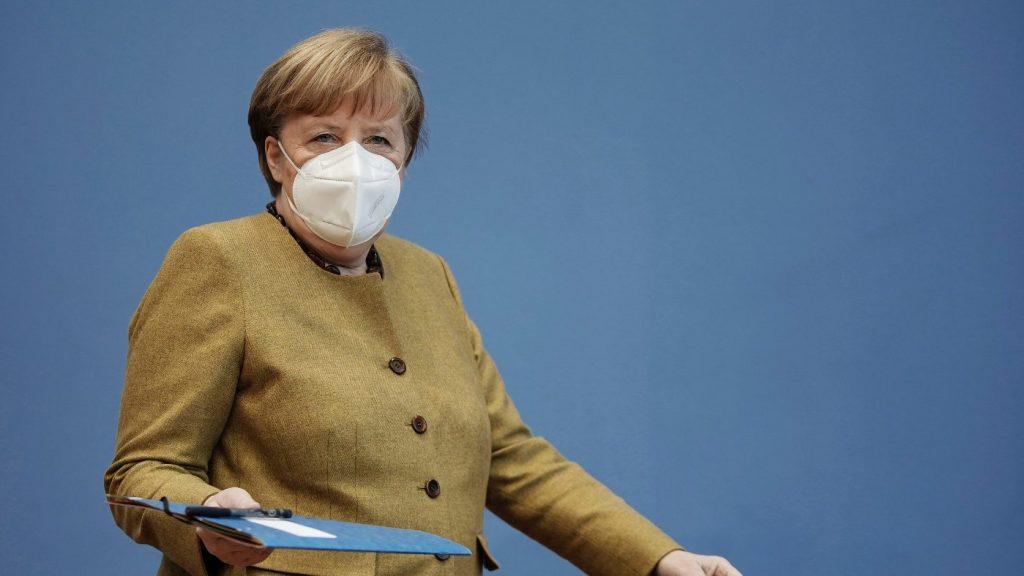 Tisztázni akarja a beavatkozás fogalmát Merkel