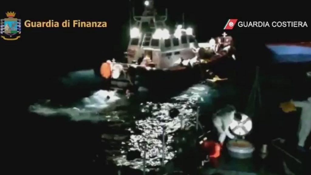 Rekordszámú illegális bevándorló érkezett Lampedusára