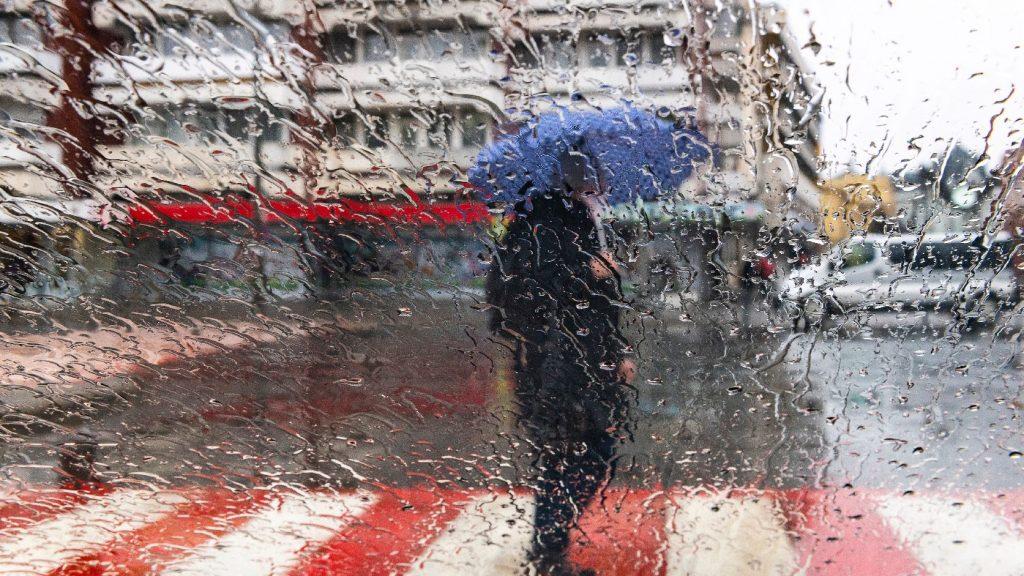 Az esernyő lesz az első számú kiegészítő a következő napokban