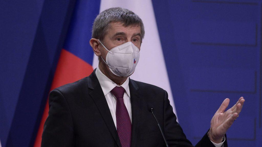 Csehország Brüsszel jóváhagyása nélkül is oltani kezd a Szputnyik V-vel