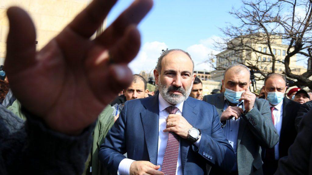 Helyén marad az örmény vezérkari főnök