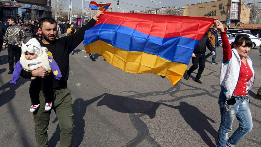 Belpolitikai válság körvonalazódik Örményországban