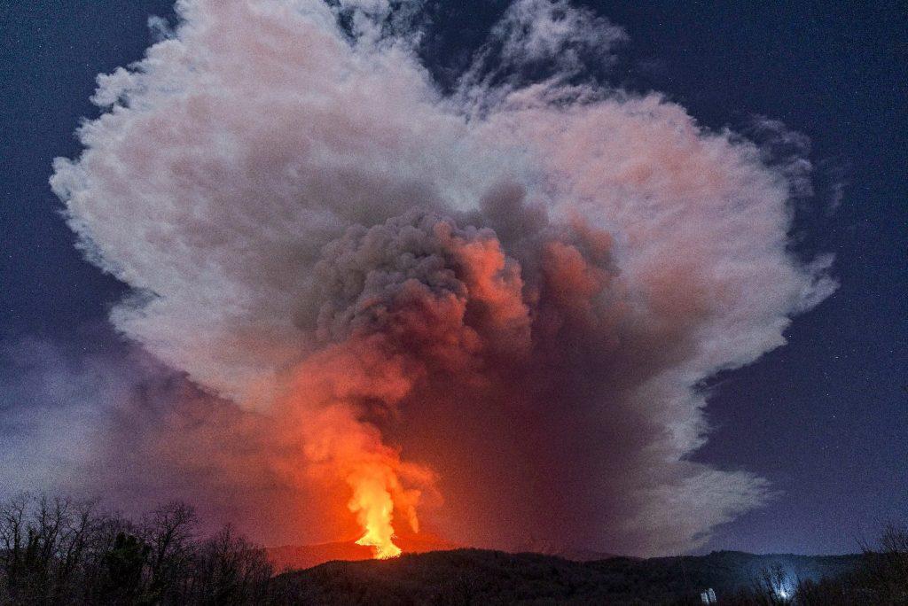 Lávát okád a világ egyik legaktívabb vulkánja