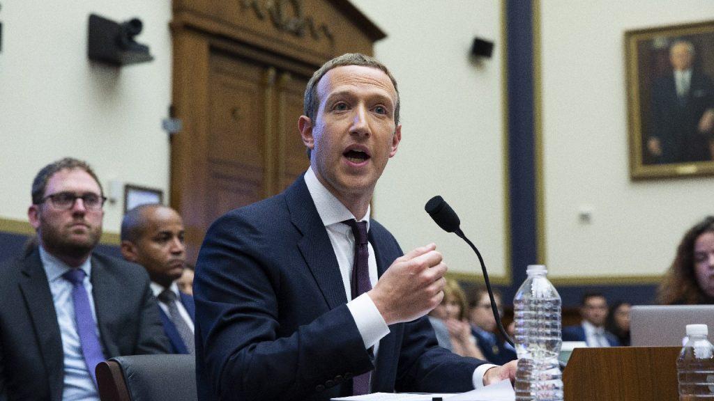 Egyenlők között még egyenlőbbek: VIP-személyek mentesülnek a Facebook szabályai alól