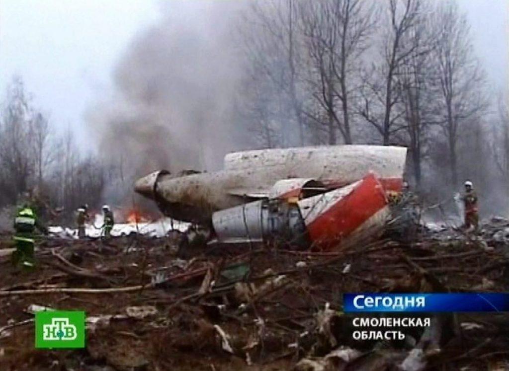 Leszállás közben zuhant le a lengyel köztársasági elnök gépe – 11 éve történt a tragédia