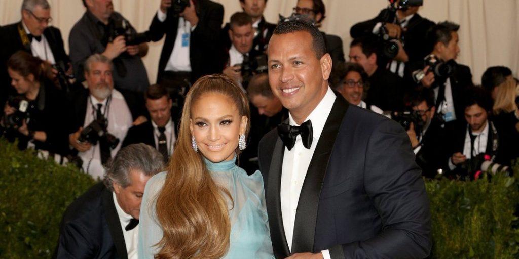 Jennifer Lopez mégis kiadta vőlegénye útját?