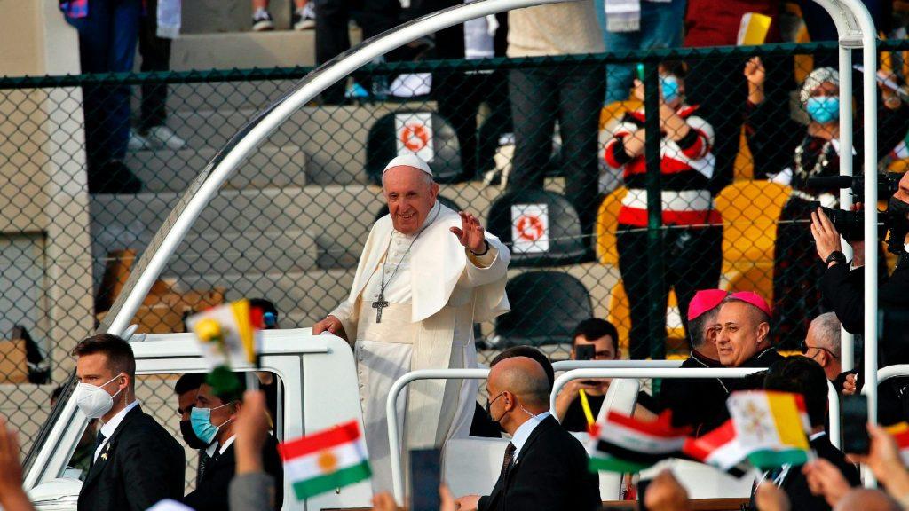Sok ima után döntött Ferenc pápa az iraki út mellett
