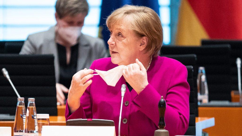 Beoltották a német kancellárt