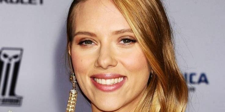 Felismered anyut? Scarlett Johansson megmutatta egy régi filmjét a lányának