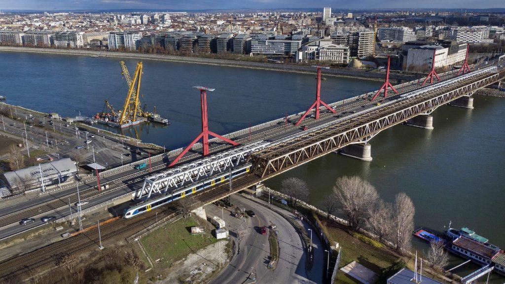 Hétvégén mossák a Rákóczi hidat, eláruljuk mikor kerülje el!