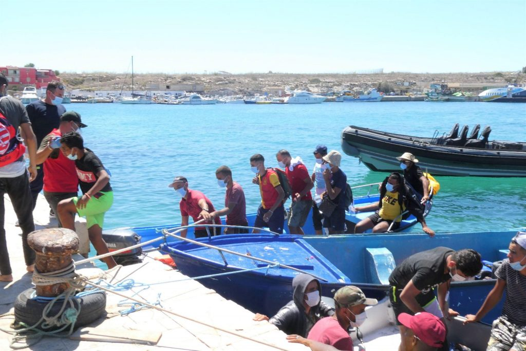 Illegális bevándorlók fulladtak vízbe Tunézia partjainál