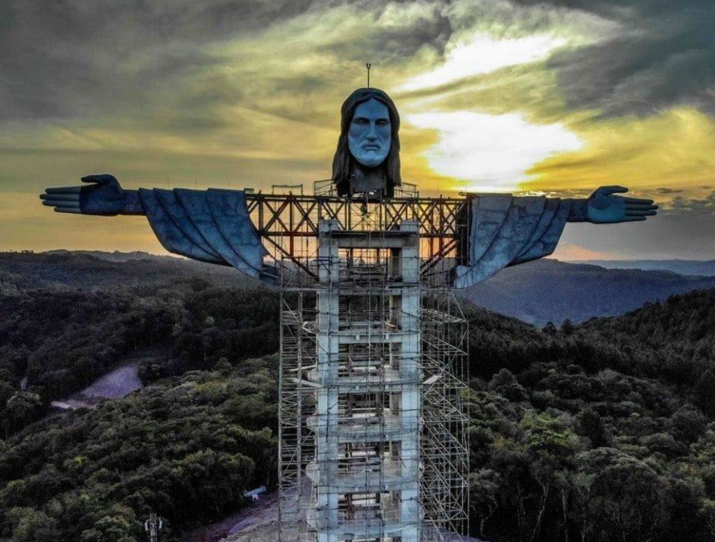 Koronavírusban hunyt el a Rióinál is hatalmasabb Krisztus-szobor megálmodója