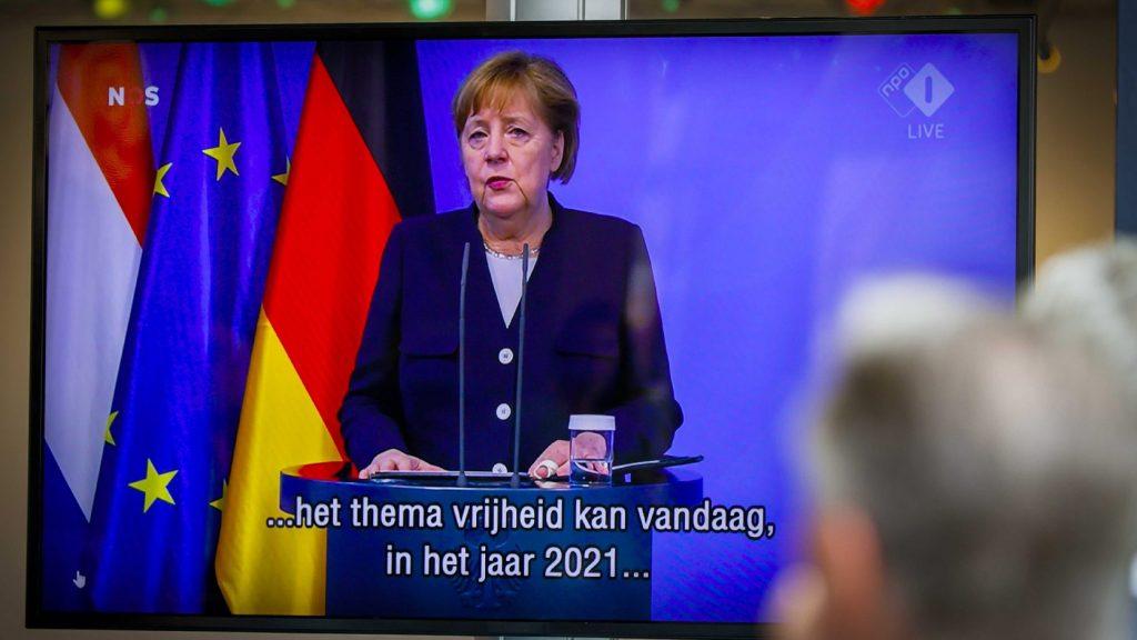 Merkel: Európa nem érdekelt a kétpólusú világ visszatérésében