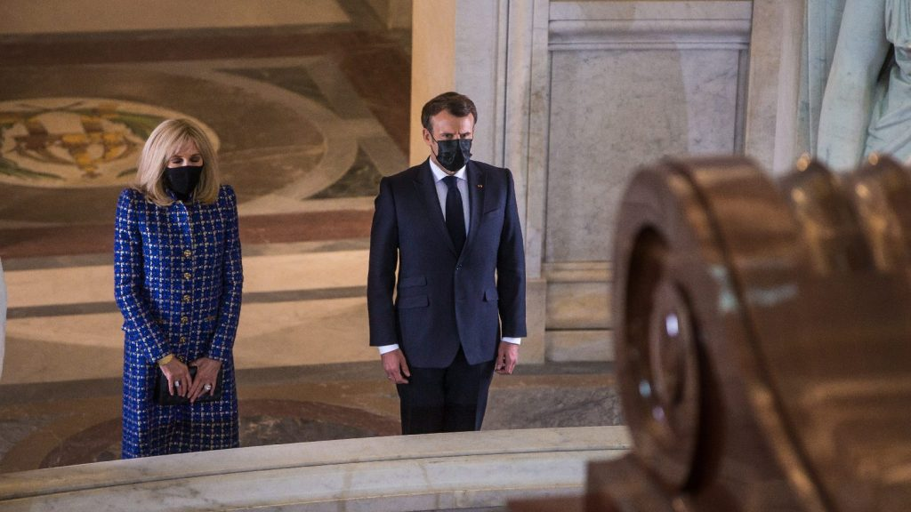 Macron ellentmondásosnak nevezte Napóleont, az államférfit és hadvezért