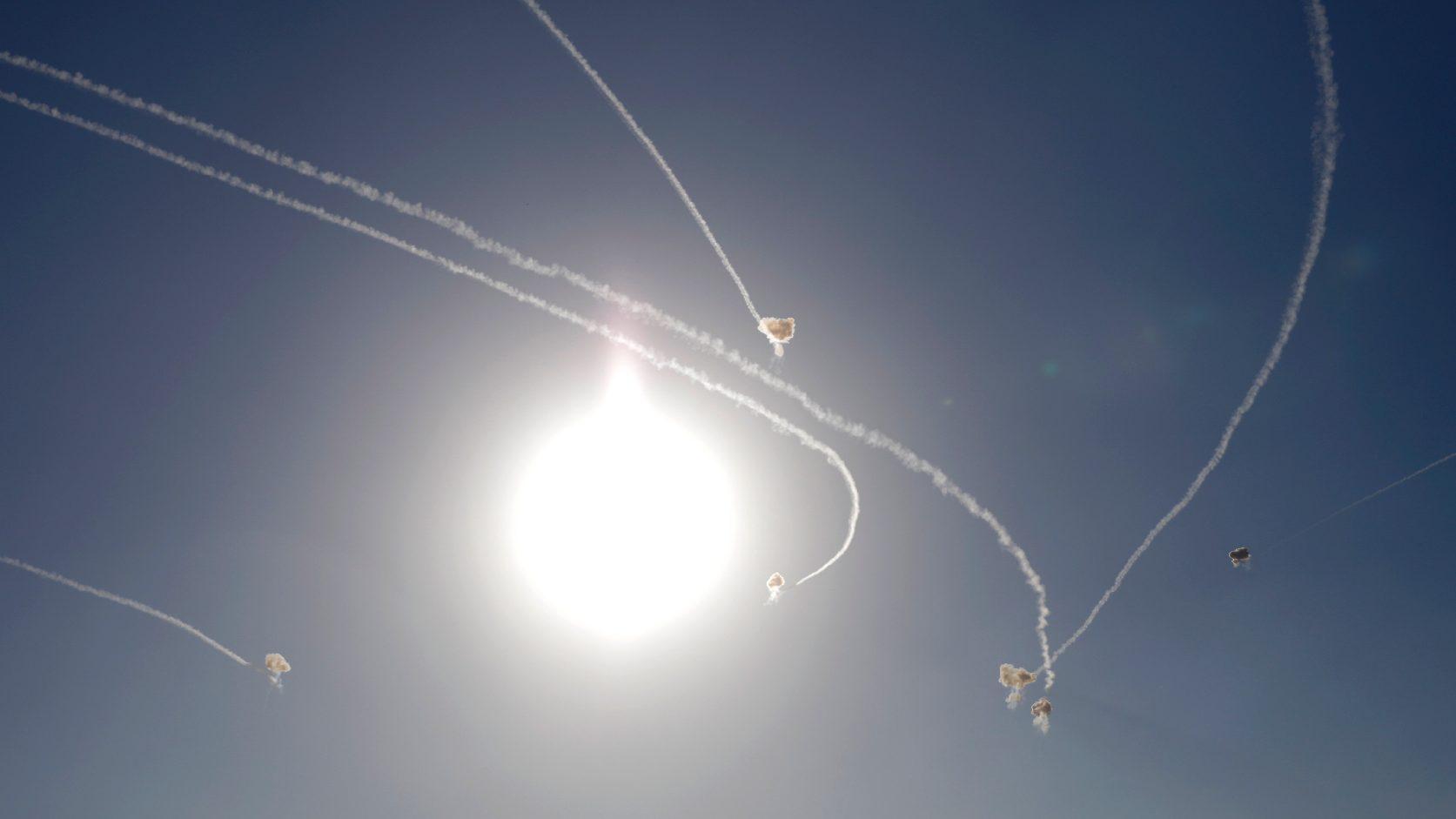 A légvédelem izraeli rakétákat semmisített meg Aleppó térségében