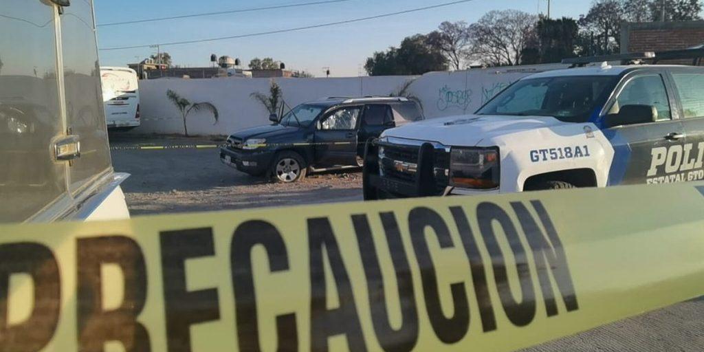 Autókból tüzeltek Mexikóban, közel 20 halott